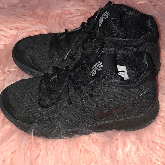 new product 7b3a8 9152c Nike kyrie 4s - 5y